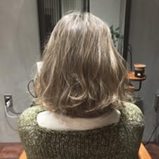 アッシュホワイトベージュ☆ ダブルカラーで透明感◎ NERO  HAIR AND LIFE STORE所属・yabeharukaのスタイル