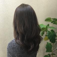 オリーブアッシュ!! 秋のおすすめカラー☺︎ 赤みをとり柔らかい印象のに!! WUV HAIR所属・佐藤千波のスタイル