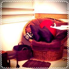 フットネイルはこちらのソファー席でご案内します^ ^ ネイルサロンAREA所属・ネイルサロンAREAのフォト