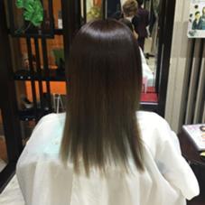 グラデーション  毛先の色を濃く入れることによって 長い期間でカラーを楽しめます VAN COUNCIL所属・居村大地のスタイル