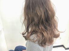 ハイライト×グラデーション ブリーチ1回〜 毛先の透明感が綺麗♡  【¥7000】 bluefaces所属・saitoteiのスタイル