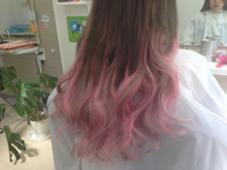 エクステで作るピンクシルバーのグラデーション Angel所属・hairsalonAngelのスタイル