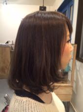ロングから、バッサリ20cm以上切りました。 色も暗めのマット系で、かなりのイメチェンになりました‼︎ かずもと朱美のスタイル