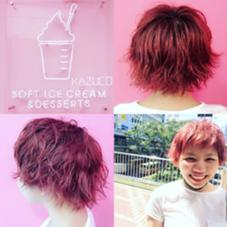 毛先のみブリーチ✨ベリーピンクカラー光の当たり方で色んな色に見えます sh+cut+wcolor+treatment=21500+tax ➡︎➡︎➡︎ミニモ価格➡︎➡︎20パーセントOFF 17200yen+tax✌️ kenje所属・kazuco♡のスタイル