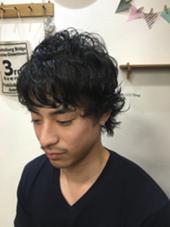 黒髪パーマのワイルドなスタイル!  HAIR&MAKE   POSH新宿所属・小野雄貴のスタイル