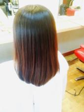 ロングをセミロングに、 毛先がころんとまとまるようにカットしました(^O^) 西洋髪結OORE所属・小田浩司のスタイル