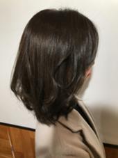 ミディアムの長さで ふんわりまとまりスタイル カラーはダークアッシュでやわらかく(^^) LeeLuce布施所属・岡良弥のスタイル