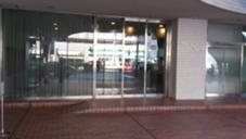 サロンのビルの入り口になります。お入り頂き、705を押して下さい(^o^) DIARA〜beauty salon〜所属・細田記子のフォト