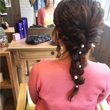 結婚式のまとめ髪。 長さがあればラプンツェル風のおろし髪も可愛いです♪   HairSet...¥2500〜¥4000 熊谷美咲のスタイル
