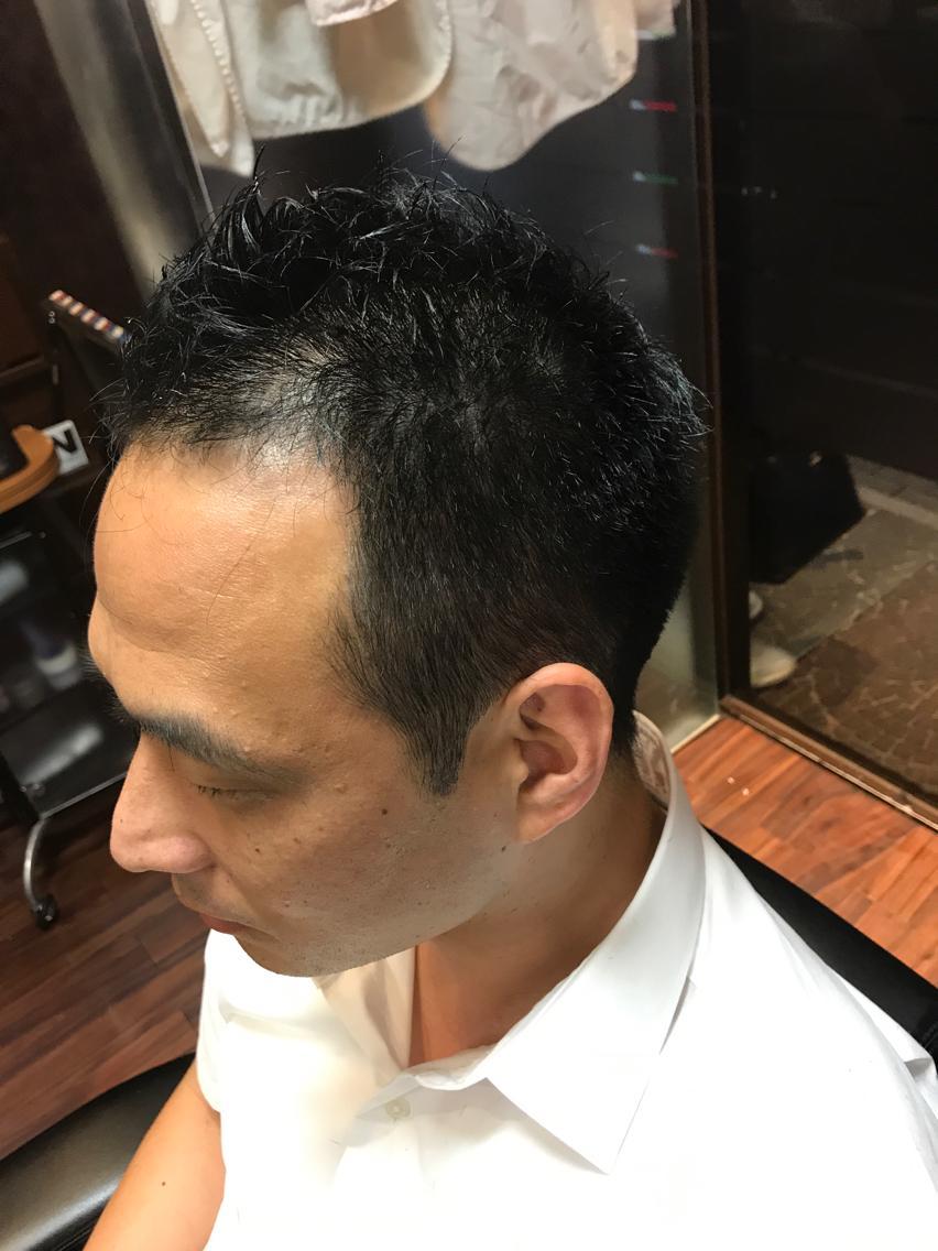 【スタイル】横と後ろ刈り上げ、ソフトモヒカン風、白髪染め、Nakano5ワックス仕上げ【毛質】直毛、硬め