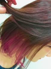 インナーカラーにピンクを入れました! カラーはワインレッドに!^ ^ 久保田有希のスタイル