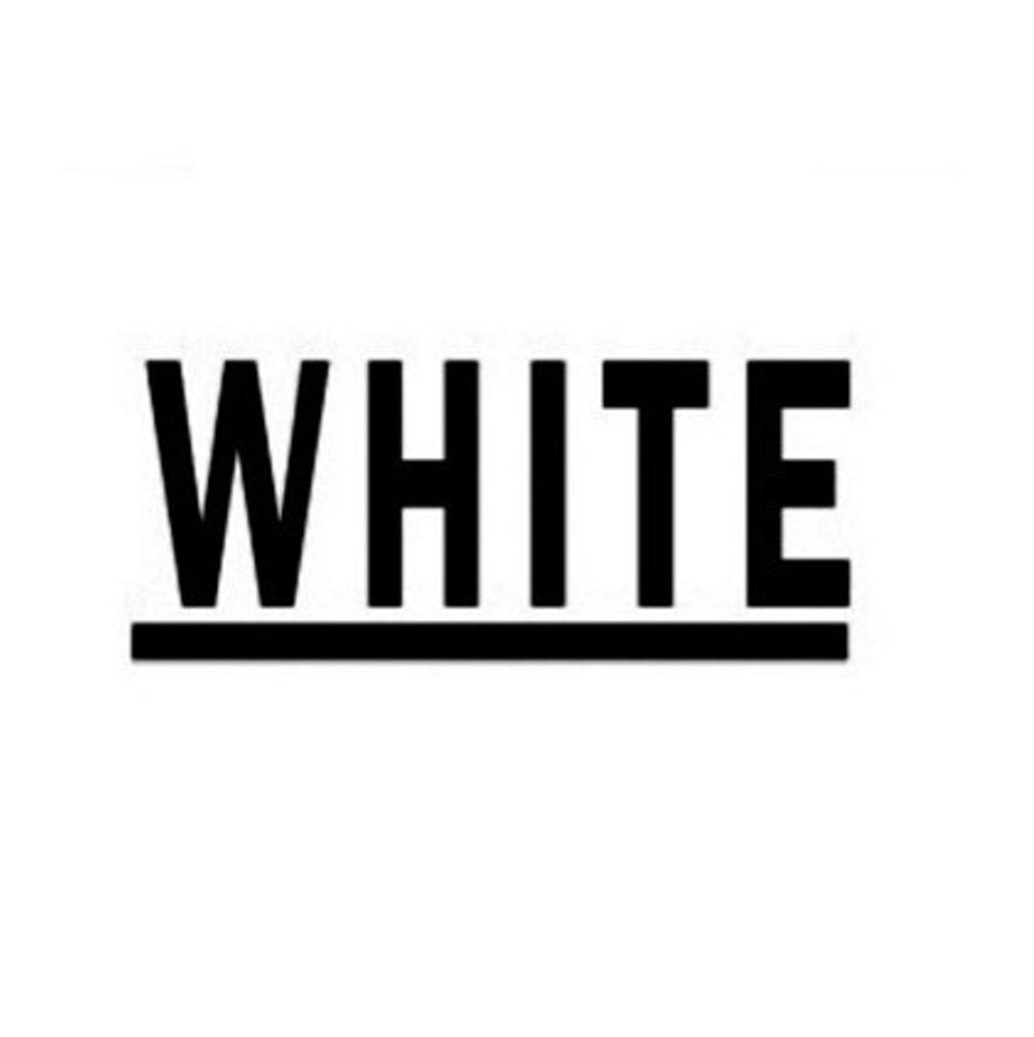 _whiteNAIL上本町店所属・_white アンダーバーホワイトの掲載
