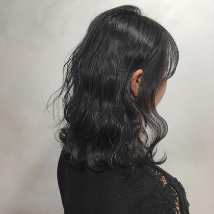 セミロング アディクシーカラーで暗髪へ!! ブルーを使ってダークグレーに!!  ブリーチ伸びっぱなしや暗くしたい方におすすめ!