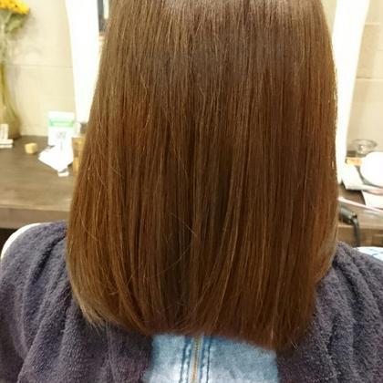 元々、髪を染めたことのない黒髪を流行りのアッシュベージュに!!男女共に人気のカラーで満足いただけました大人かわいいとはこれのこと!! hair resort AI所属・野原一哉のスタイル