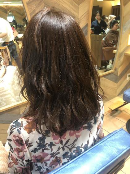 【新規レディースクーポン】髪を伸ばしている方に❣️🏆毛先だけカット+カラー+Aujuaトリートメント🏆✨すぐ予約可✨