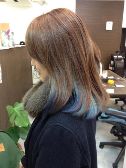 中に色を入れてチラ見せオシャレ エフエール所属・浅野綾子のスタイル