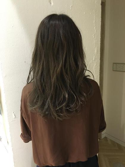 色落ちして明るくなってしまった髪に濃いめのカラーで大人っぽく仕上げました( ¨̮ ) KENJE横浜所属・ひのすぎきこのスタイル