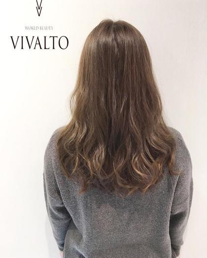 巻いた時に毛先がパサつかないように、厚みを出したカットに、黄色味をしっかり抑えたグレージュカラー!透明感もしっかり出ます☆ WORLDBEAUTY【vivalto】所属・西川晋平のスタイル