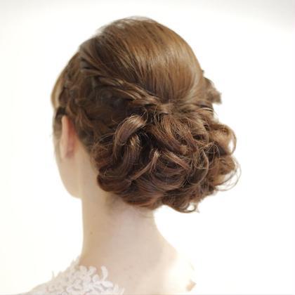 パーティーや結婚式など、のお呼ばれに。 HAIR  SILVA所属・安藤惇也のスタイル