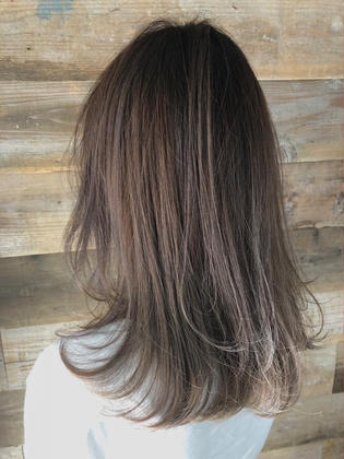 カラー ネイル ヘアアレンジ マツエク・マツパ highlight × balayage design  ✂︎ KHANH HOA 表参道  ☎︎0368045616 渋谷区神宮前4-14-6 101  cut ↠¥6.000 color ↠¥7.500〜 highlight design ↠¥8.000〜 balayage design ↠¥10.000〜 cut×color×treatment ↠¥10.000 cut×highlight×treatment ↠¥11.000 cut×balayage×treatment ↠¥13.000  ↠ https://www.instagram.com/_hide1989/