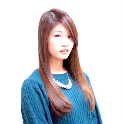 暖色カラーでツヤ感を出しストレートヘアで大人っぽく( ̄▽ ̄) HAIR MAKE ASH所属・久末健太郎のスタイル