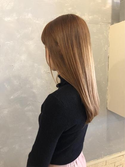 LOVERIA天神のセミロングのヘアスタイル