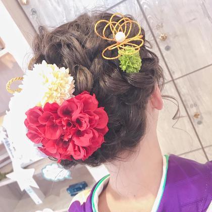 成人式もヘアメイクで可愛く人生最高の日に…❤ Hair&Make EARTH所属・秋葉安里菜のスタイル
