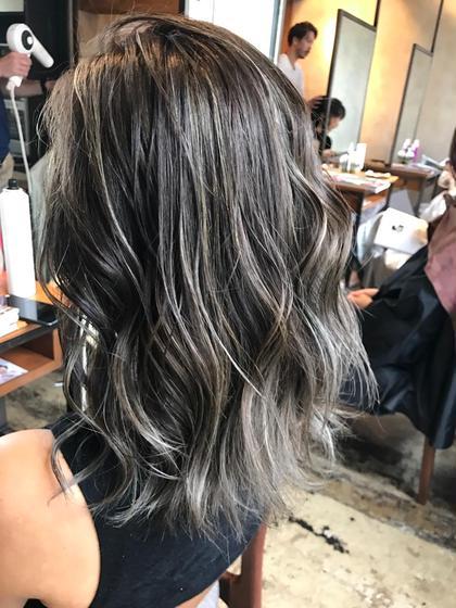 アンドウナオユキのミディアムのヘアスタイル