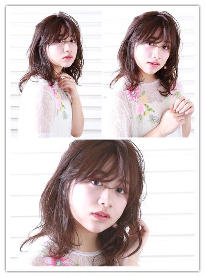 セミロング✳︎ 長めの前髪でも、前髪パーマでイメージチェンジしませんか? ailis所属・嶋村志乃舞のスタイル