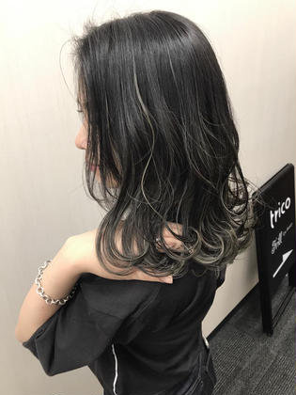 高橋亮子のミディアムのヘアスタイル