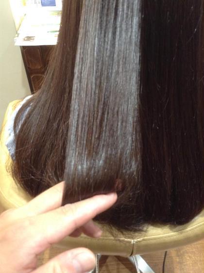 自然なストレートによるキレイなツヤ髪 ダメージを感じさせないので、しっとりサラサラなストレートへ  ツヤ、ハリコシも兼ね備えた自然な縮毛矯正