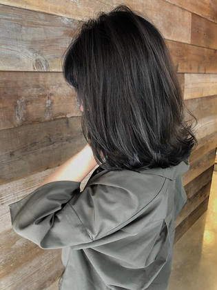 カラー ミディアム highlight balayage design  ✂︎ KHANH HOA 表参道  ℡0368045616 渋谷区神宮前4-14-6 101  cut ↠¥5.000 color ↠¥7.000〜 highlight design ↠¥8.000〜 balayage design ↠¥10.000〜 cut×color×treatment ↠¥10.000 cut×highlight×treatment ↠¥12.000 cut×balayage×treatment ↠¥14.000  ↡スタイルの詳細はこちらでご覧いただけます↡          https://www.instagram.com/_hide1989/