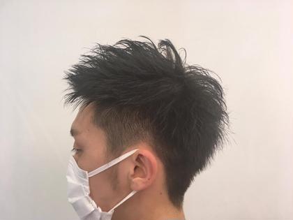 メンズの刈り上げスタイルです! 毛先の方はゆる〜くパーマがかかっています! M.TANIGUCHI  branche'所属・柴田桂輔のスタイル