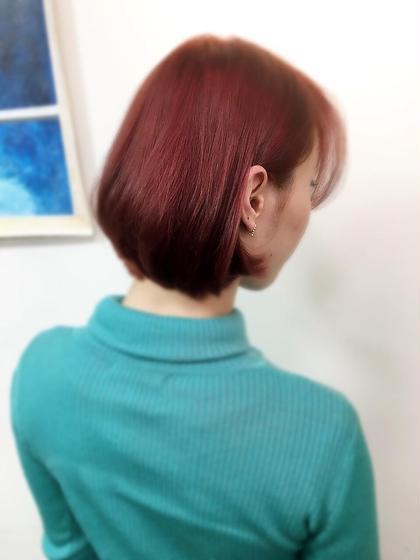 【ラズベリーレッドカラー×耳かけbob】  今期春はラズベリーカラーが人気ですね! hairsalon M 新宿所属・ShimazuDaichiのスタイル