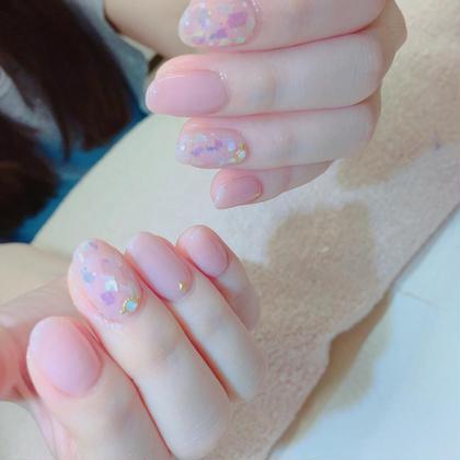 ネイル ピンクネイルが色白の肌とピッタリです(o^^o)