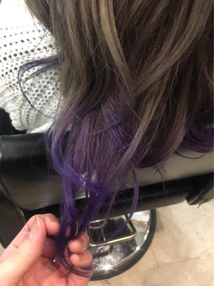 カラー ヘアアレンジ ロング マニパニの紫! しっかり色味が出て明るさも残せる原色カラー♪♪  ※マニパニ使用は特殊カラーになるので、料金プラス2000円頂いております!