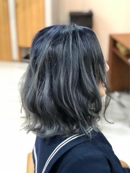バレイヤージュカラー✨  ブルーアッシュをベースにハイライトを入れたカラーです✨ arika所属・海戸康裕のスタイル