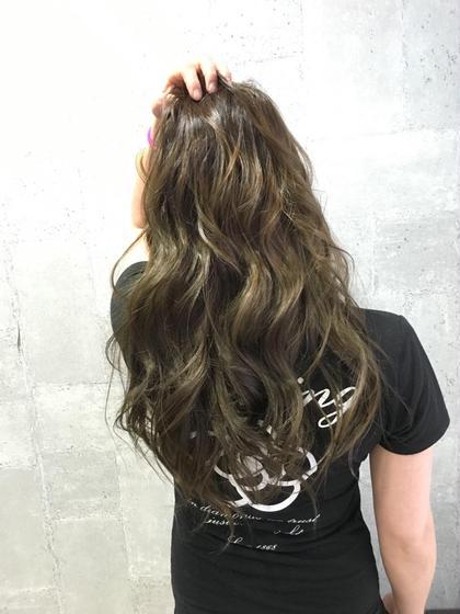 どんな髪でも長持ちするマットアッシュカラー!! モードケイズスイート店所属・柳下智希のスタイル