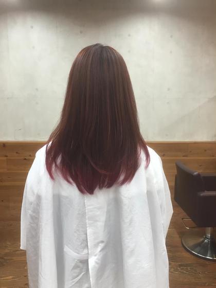 スタッフのカラーをしました 毛先にはレッド+パープルでしっかりとした赤みと色持ちを実現✨ starmark所属・阿部泰博のスタイル
