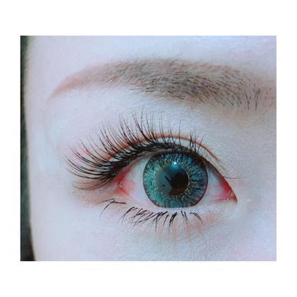 根元から立ち上がる 特許技術アップワードラッシュで まつ毛による影が出来ず瞳に光が入り、より印象的な瞳に仕上がります。 リアンジェぺぺ所属・Okusu Namiのフォト