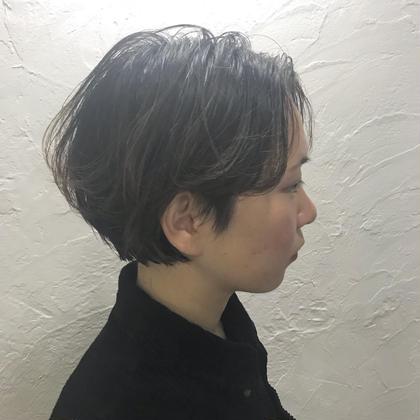 ボブ感を強めたショートスタイル!  ハイライトと質感調整カットにより、重たすぎない、軽さと毛流れのあるオススメスタイル! HAIR&MAKE BILLOW所属・入本翼のスタイル