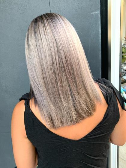 🌈【これであなたもモテ髪💖】❣️デザインカット+ブリーチ+全体カラー+トリートメント¥9400💎【新規クーポン】