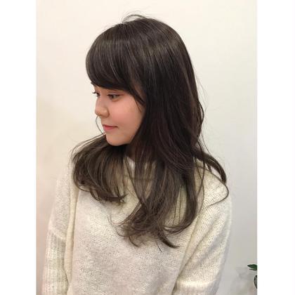 ハイライトを入れてインナーカラーにアクセント☺︎ U Hair三軒茶屋所属・眞田裕里のスタイル