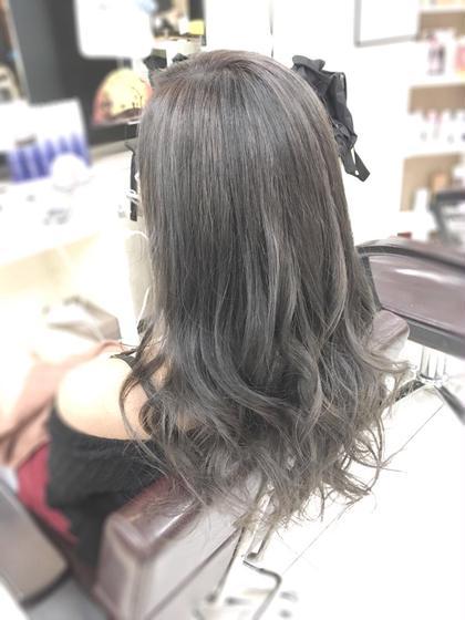 アッシュグレー -------------------------------------------- 明るい髪を落ち着けるカラー☆  季節問わず鉄板の一品( ̄▽ ̄) COUTURE所属・イチマルサトルのスタイル