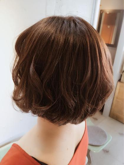どの世代でも似合うゆるふわボブスタイル✨骨格に合わせてその人に合わせてスタイルを作っていくので、小顔効果やアンチエイジングが期待出来ますこちらのモデルの方は50代の方なのですが、とても若々しさを感じますよね✨ Lietto hair&make所属・中島貴志のスタイル