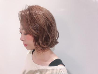 ショート切りっぱなしボブ 軽さを出してストレートでも可愛いスタイル! 30センチカットしました(´∀`*) As hair所属・砂走真希のスタイル