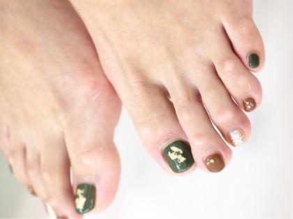 【新規ジェルネイル】サンダルからちら見えする爪を可愛く♪限定10色から選ぶペディキュア。シールやストーン選択自由