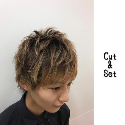 Menu Cut ¥1000 Eyeblow-cut ¥500 Head-spa ¥3000  Styling ARIMINO HARD MILK ¥2000 Chill所属・たごあつしのスタイル