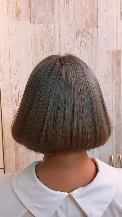 弓山ミツルのセミロングのヘアスタイル