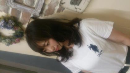 トーンは低めですが透け感と艶のある この夏オススメの綺麗なマットに仕上がりました♪ もう少し長さを伸ばして夢のふわふわパーマまで モデルさんと一緒に頑張ります(*´∀`) lilas crown所属・小森田智子のスタイル